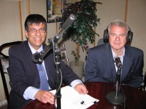 José Francisco V. Schuster entrevistou o Cônsul-Geral do Brasil em Toronto, Américo Dyott Fontenelle, no programa de estréia
