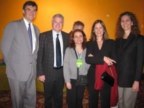 Barbara de la Fuente (centro) com o cônsul-geral do Brasil em Toronto, o cônsul-geral adjunto e esposas