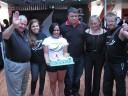 Isa Melo com o bolo