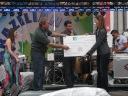 Mellohawk entrega cheque com donativo para a Habitat for Humanity
